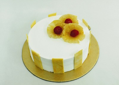 Eggless Pineapple Delight Cake