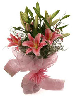 Graceful and elegant Pink Oriental Lilies Bunch