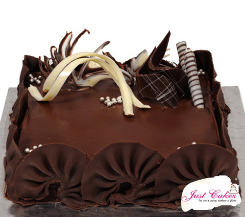 Premium Truffle Fantasy Cake with Lots of Garnishing